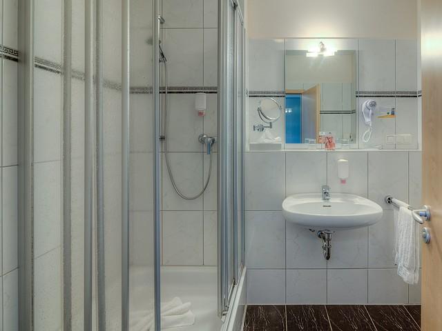 Doppelzimmer Komfort - Badezimmer