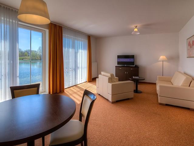 Appartement am See - Wohnbereich mit Balkon oder Terrasse