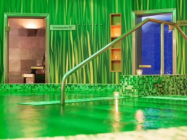 Poollandschaft im Hotel Esplanade